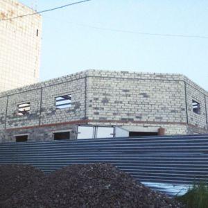 """Торговый центр, Хабаровская, 135. Внутренние и внешние стены из газоблока """"Бетарм"""""""